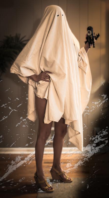获奖作品2,Milky Ghost,好想拉开她的袍子